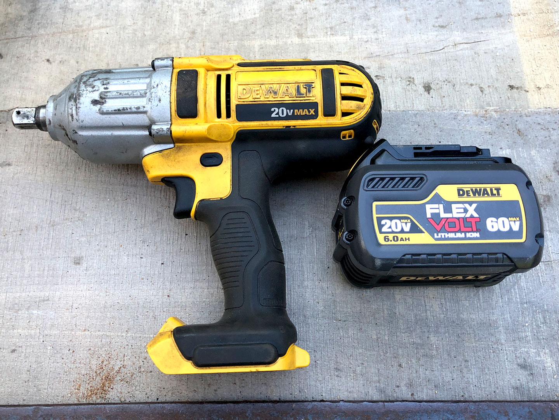 1/2 in Dewalt Battery Powered Impact Drill